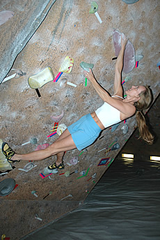 How to improve climbing techniques in Indoor