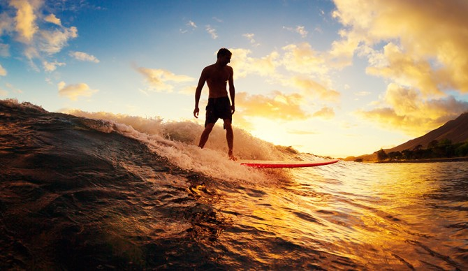 The basic tips for beginner surfers