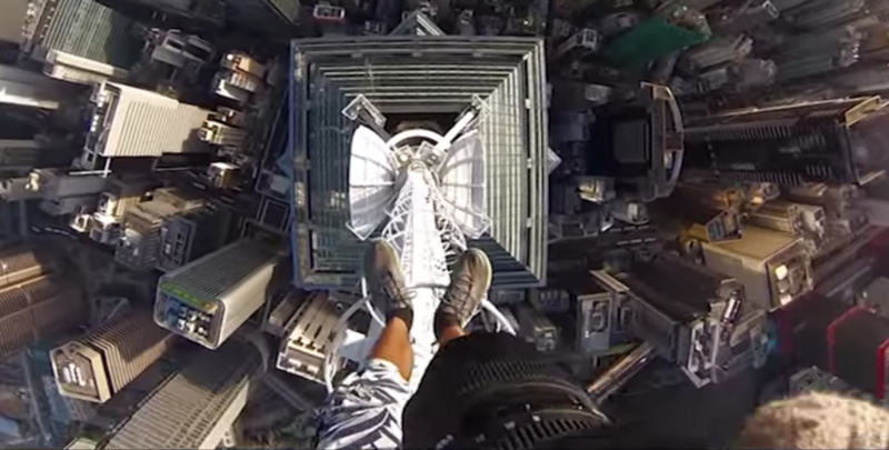 SPECIAL EXTREME SPORT : SELFIES FROM THE TOP OF HONG KONG SKYSCRAPER